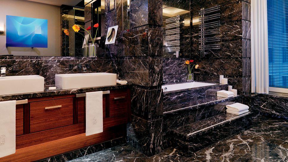 Marble stonexchange miami florida for Black marble shower